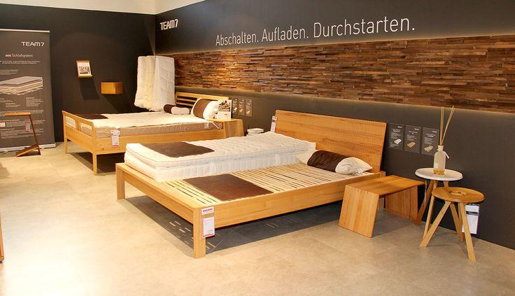 Exklusive Schlafzimmermöbel im Team7-Studio im WEKO
