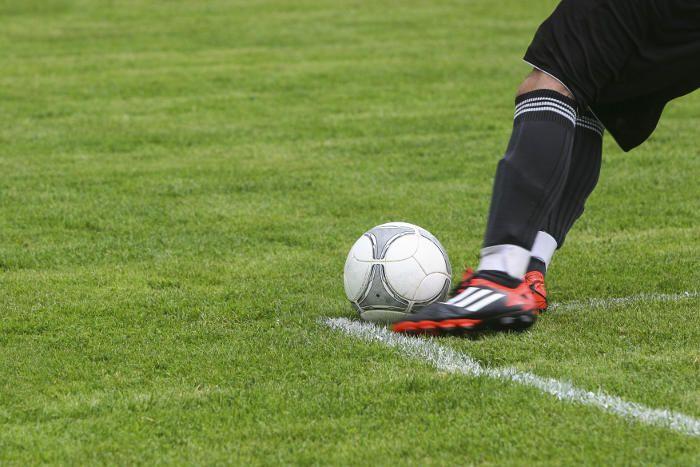 Mit zwei Niederlagen zum Auftakt der neuen Fußball UEFA Champions-League-Saison hat Borussia Dortmund alles andere als einen perfekten Start in die Königsklasse erwischt. Das Team von Peter Bosz droht den Anschluss zu Real Madrid und Tottenham Hotspur zu verlieren.