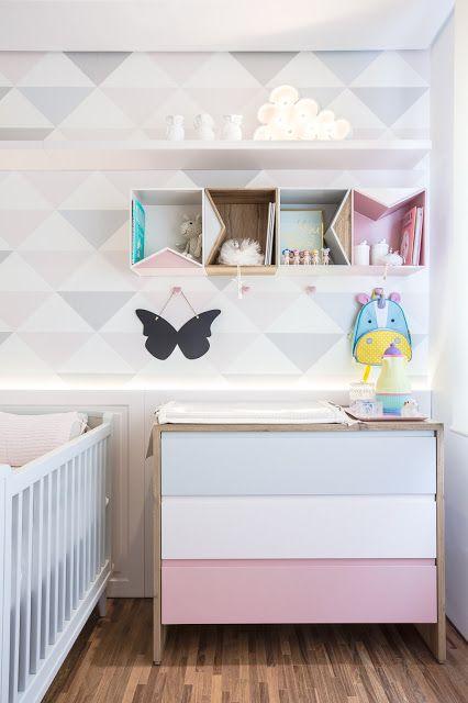 No referências de Décor dessa semana no Blog Midá, o escritório Figueiredo Fischer nos contou as cores da laca da cômoda desse quartinho lindo. vai lá ver!