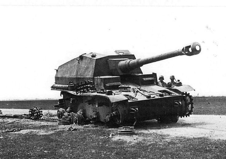 10,5 cm K18 auf Panzer Selbstfahrlafette IVa Dicker Max