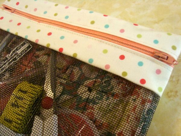 The Zipper Bag Tutorial is perfect to use 2 UFO Quilt Blocks. The front is mesh, making it a see through bag, load up those notions!