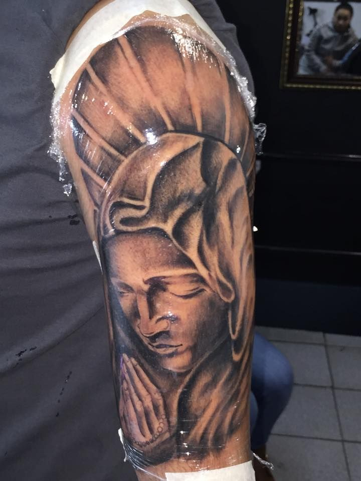 tatuajes de virgenes,tatuajes de virgen,virgen tattoo,blackandgreytattoo,,tatuador sebastian ruz dominguez, tatuajesmas, +56961211870