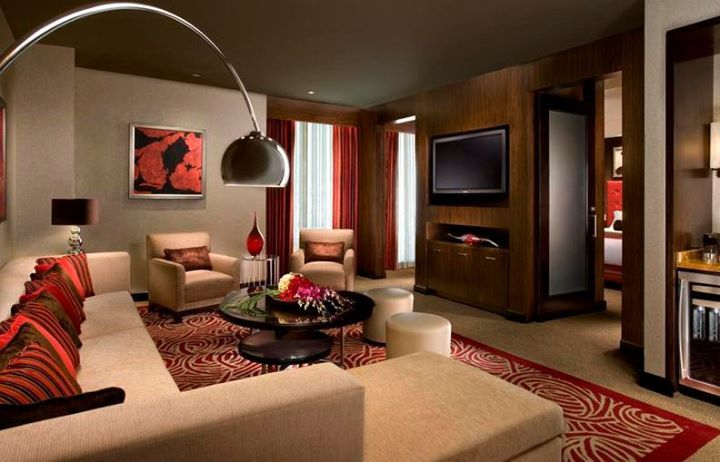 las vegas hotel rooms with jacuzzi in room