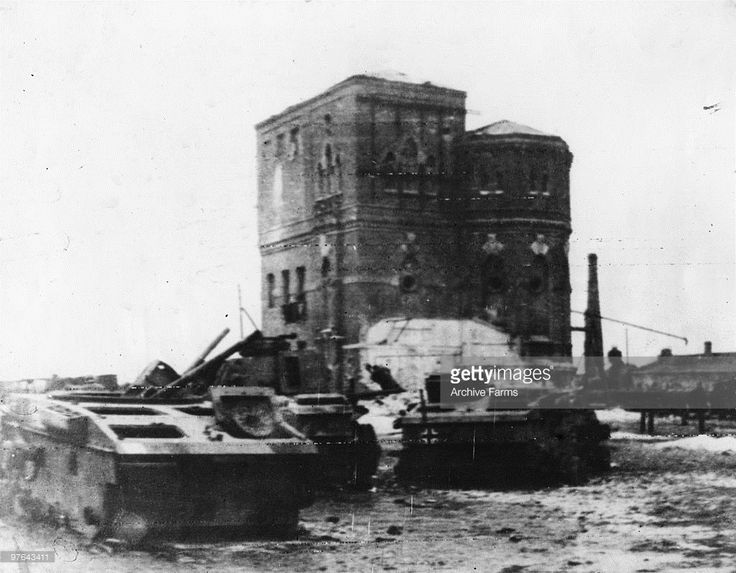 As the Russians continue their push, the retreating Germans have inevitably had to abandon considerable material, such as these disabled tanks near Kotelnikovo, southwest of Stalingrad, 1943. Already the Russians have had rich hauls. (Photo by Archive Farms/Getty Images)
