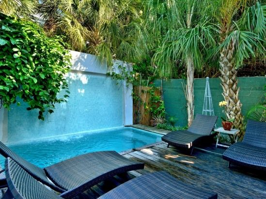 Key West Duval Street Compound. Florida vacation rentals. Private Home,  DownTown,  Villa description    Perfect location and great for entertaining!  In the heart of Old Town Key West just steps from restaurants,  bars,  theatres and shops,  this sprawling six vacation rental.