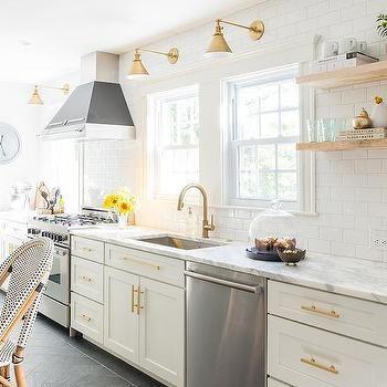 White and Gold Kitchen with Bertazzoni Range