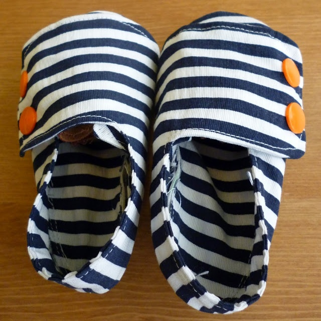 Feathers Flights {a creative, sewing blog}: Nautical Baby Shoes