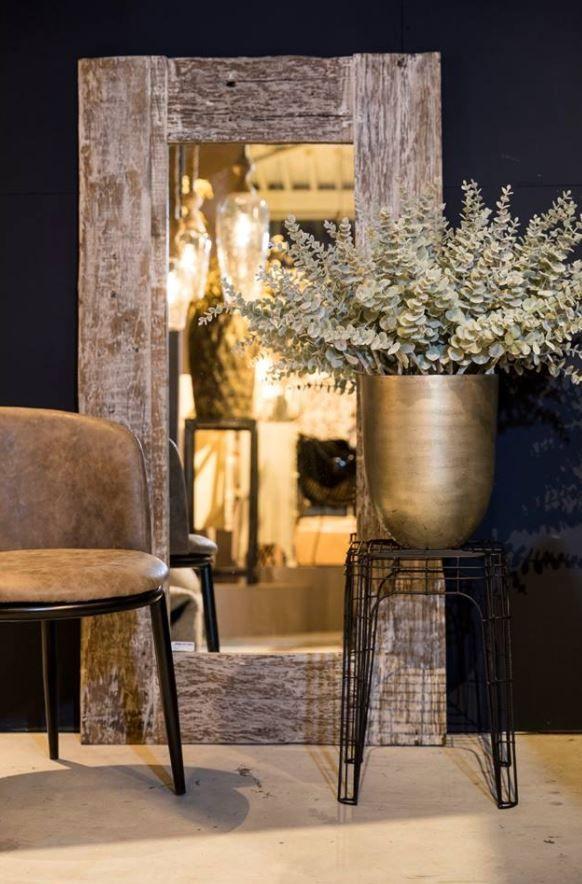 25 beste idee n over houten spiegel op pinterest spiegels hout ontwerp en hout - Ouderlijke doucheruimte kleedkamer volgende ...