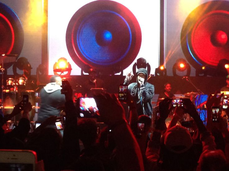 17.Jan. 25, LA: Eminem and Dr. Dre take the stage for the launch of the Beats Music service