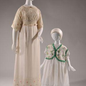 子ども服の歴史辿る企画展 ポールポワレなどの作品を公開