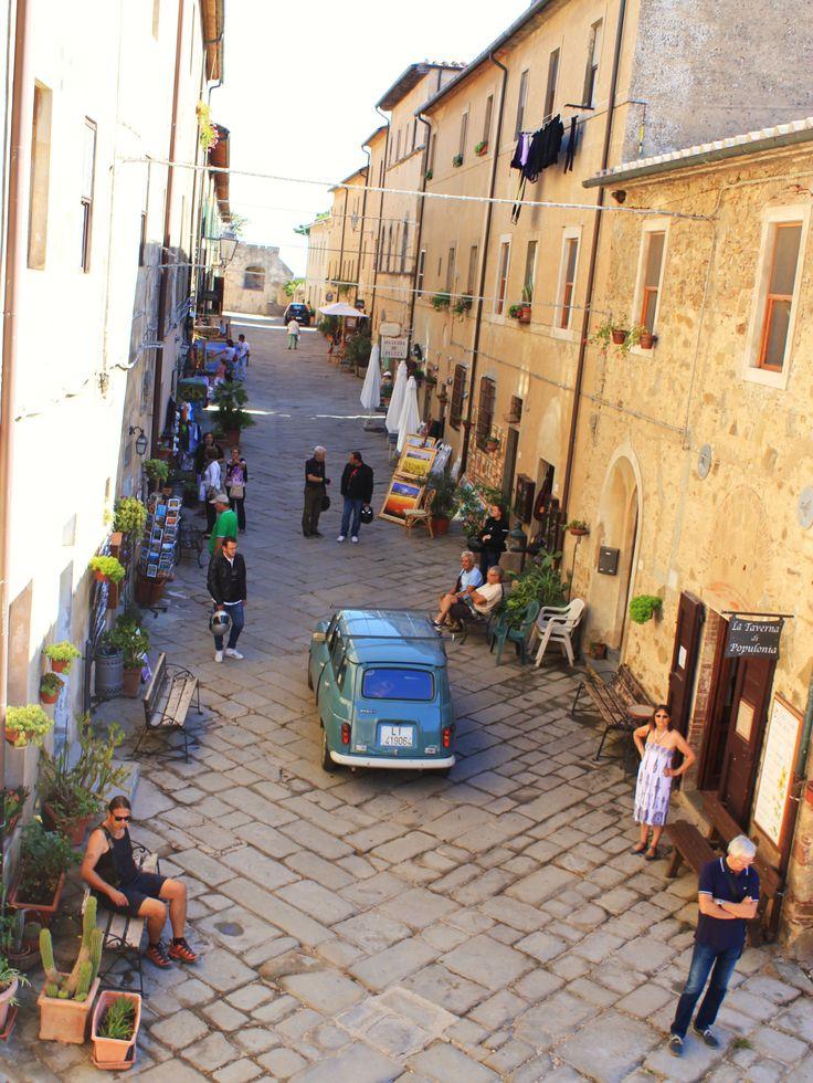 Populonia, la via centrale Holiday in Tuscany?  www.dolcevita.li.it