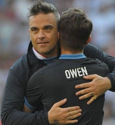 Mark Owen and Robbie Williams. Take That.