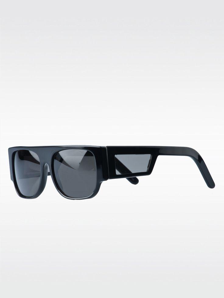SUPER , Flat Top Black #shopigo#shopigono17#accessories#womenswear#menswear#fashion#sunglasses#style#colourful