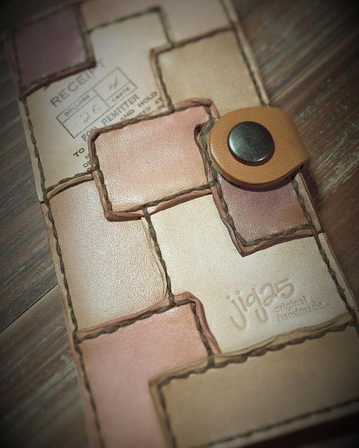 #ハンドメイド#レザー#レザークラフト#レザーワーク#革#革小物 #革細工#革製品 #パッチワーク#スマホケース#iPhoneケース#handmade#leather#leathercraft#leatherwork#patchwork#iphonecase