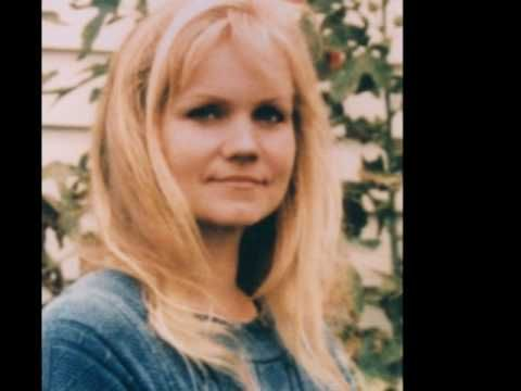 Eva Cassidy - Over the rainbow  Eva Cassidy reaches top of charts after death from Melanoma in 1996