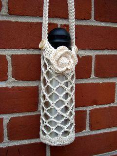 Diamond Mesh Water Bottle Holder ~ free pattern ᛡ