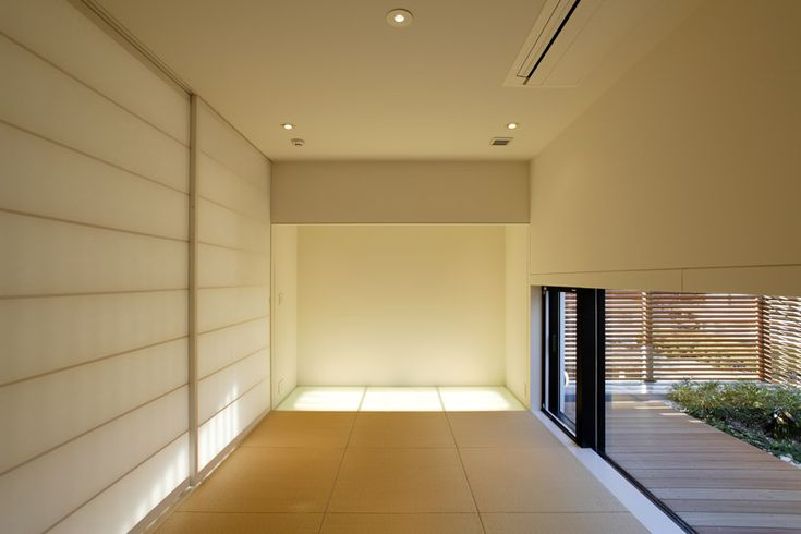 tatami mats/sliding doors/low window/ nature. love.