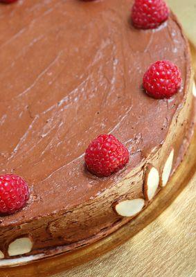 Sugar & Spice by Celeste: Reine de Saba avec Glaçage au Chocolat (Chocolate & Almond Cake)