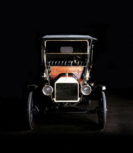 1908 Ford Model T ✏✏✏✏✏✏✏✏✏✏✏✏✏✏✏✏ AUTRES VEHICULES - OTHER VEHICLES   ☞ https://fr.pinterest.com/barbierjeanf/pin-index-voitures-v%C3%A9hicules/ ══════════════════════  BIJOUX  ☞ https://www.facebook.com/media/set/?set=a.1351591571533839&type=1&l=bb0129771f ✏✏✏✏✏✏✏✏✏✏✏✏✏✏✏✏