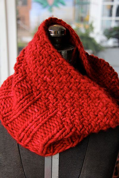Free Pattern: Red Rasta Cowl. Great for beginners, quick and enjoyable for advanced knitters.