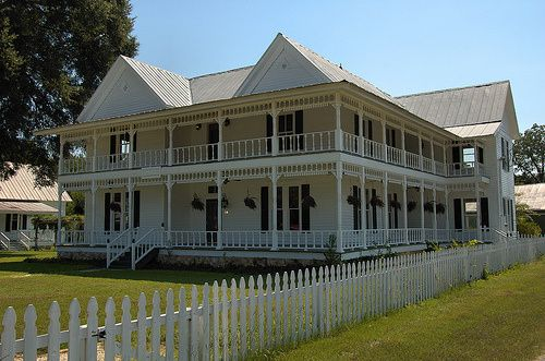 Toomsboro ga wilkinson county willett hotel folk victorian for House with wrap around porch for sale