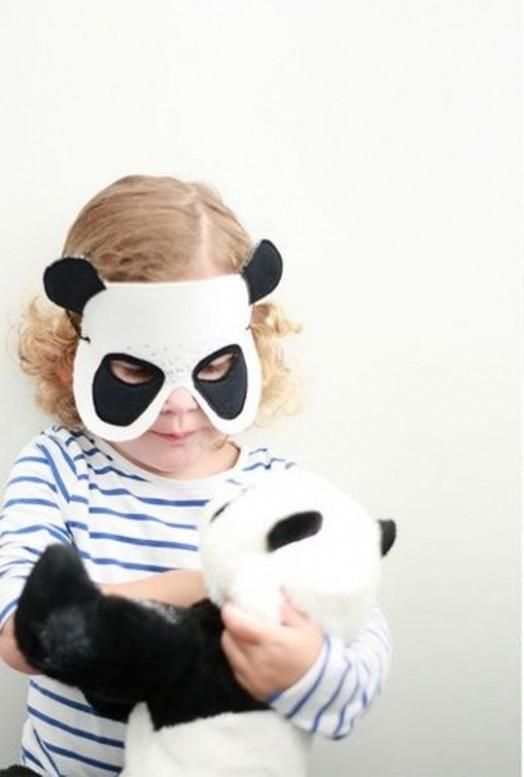 DIY Halloween DIY Costumes: DIY Felt Panda Mask For Your Kid