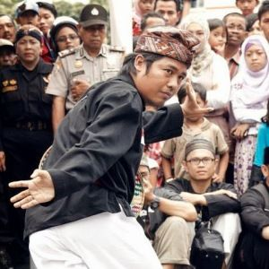 Wisata Pencak Nusantara Series : Noeryanto A. Dhipuro   Noeryanto A. Dhipuro Guru at Silat Bayu Suci and Master of NLP (Neuro-Lingusitic Programming)   One of Guru Besar Silat in Wisata Pencak Nusantara 2015,  is Noeryanto A Dipuro. He is guru at  Silat Bayu Suci and Master of NLP. We try to write little story about him, Bayu suci and NLP. As a h...  bayu suci, Neuro Linguistic Programing, NLP, pencak silat, wisata pencak nusantara