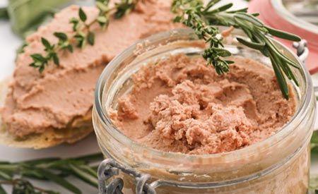 Zutaten und Zubereitung für das Rezept vegane Leberwurst.