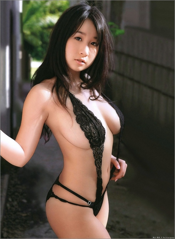 #sexy #japanses I love this piece she's wearing. Click the picture above to view full pictures.