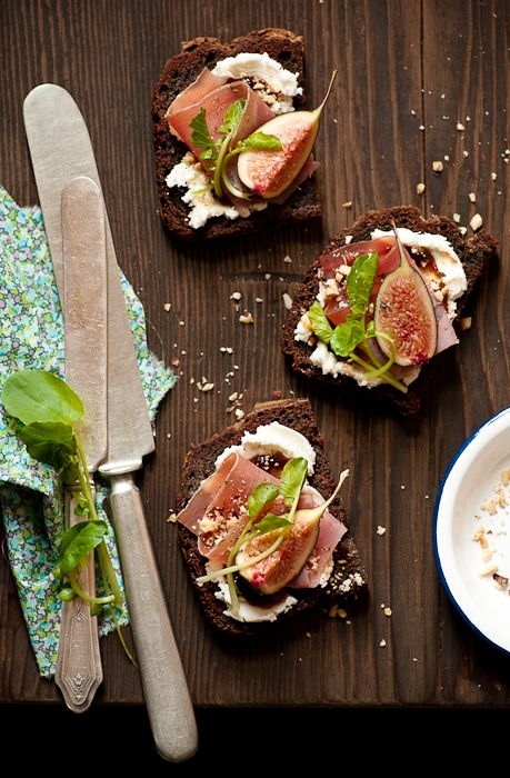 Fig & Goat Cheese Tartines #food #fig #cheese