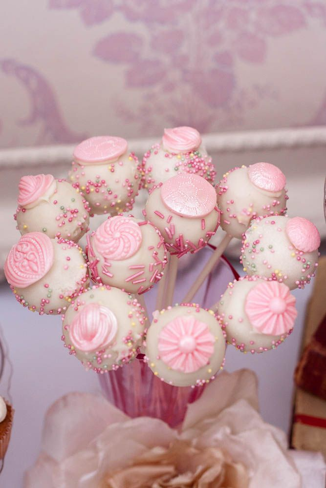 Dessert table: Minis Cakes, Pretty Pink, Cool Cakes Pop, Vintage Cakes, Girls Parties, Desserts Tables, Parties Food, Pink Parties, Sweet Cakes