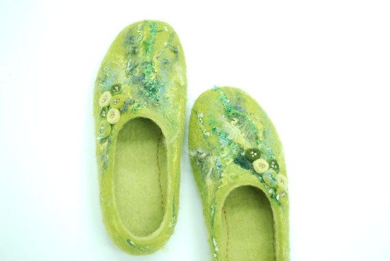 Felted slippers KATE in green & yellow Custom made от zavesfelt