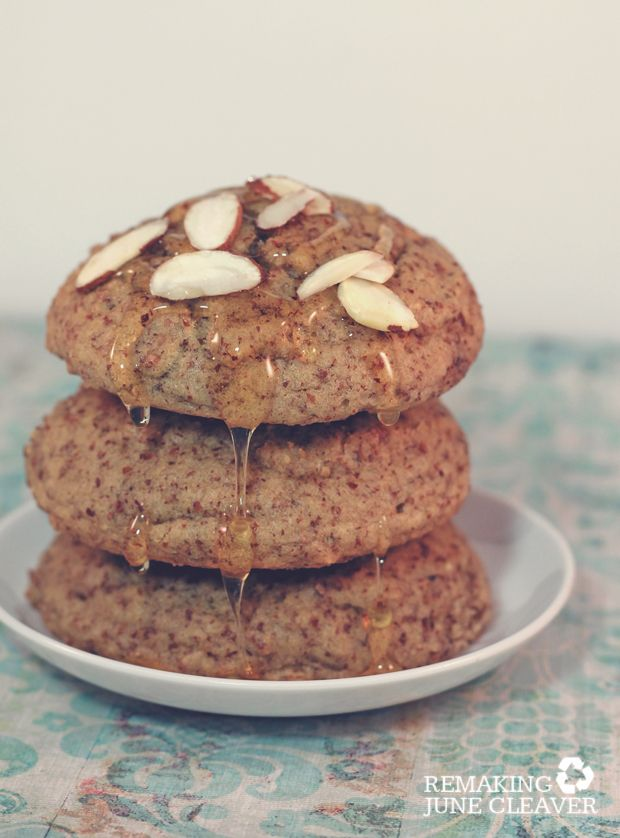 honey almond paleo breakfast cakes #gf