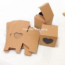 Gratis verzending-5x5 5 natuurlijke kraft bruin wedding candy dozen met hart venster, behandelen doos, verjaardagscadeau doos (JCO-162) in(China (Mainland))