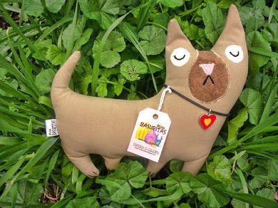 MISS BASURITAS: Un perrito muy creído con ínfulas de gato
