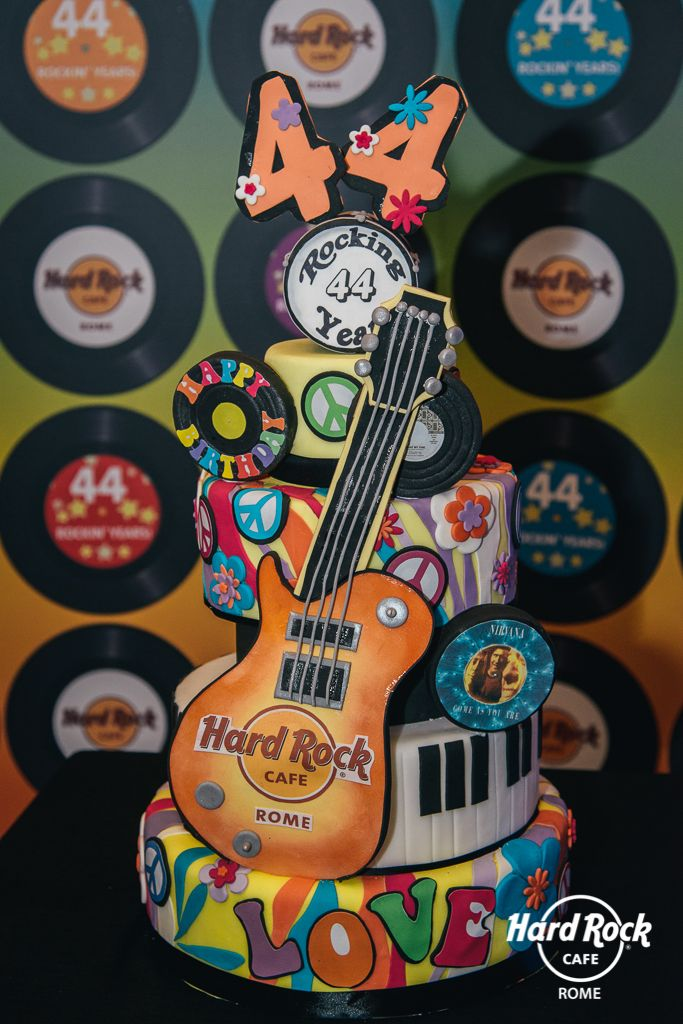 Celebration #Cake for our 44th Years of #Rock!  #HardRockCafeRome #BirthdayCake #FoundersDay #cakedesigner