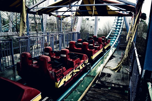 Photos Of The (Still) Abandoned Six Flags New Orleans. It's hard to believe it's been seven years since Hurricane Katrina...http://www.amazon.com/dp/B012YCGLRC