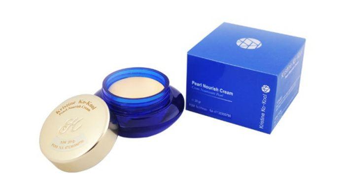 Produk dan harga Kristine Ko-Kool Pearl Cream, merupakan krim khusus yang digunakan sebagai pengganti bedak dan alas bedak
