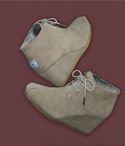 TOMS 'Desert' Bootie #Nordstrom #AugustCatalog-----Good job on developement, TOM'S. Love the direction- Ill be wishing I had these all Fall ;)