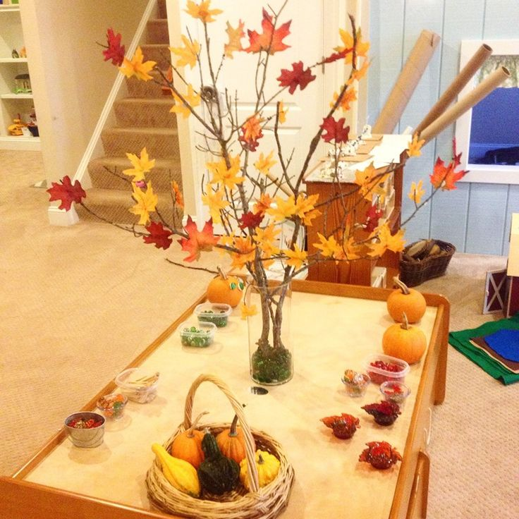 fall provocation, branches, silk leaves, wall putty
