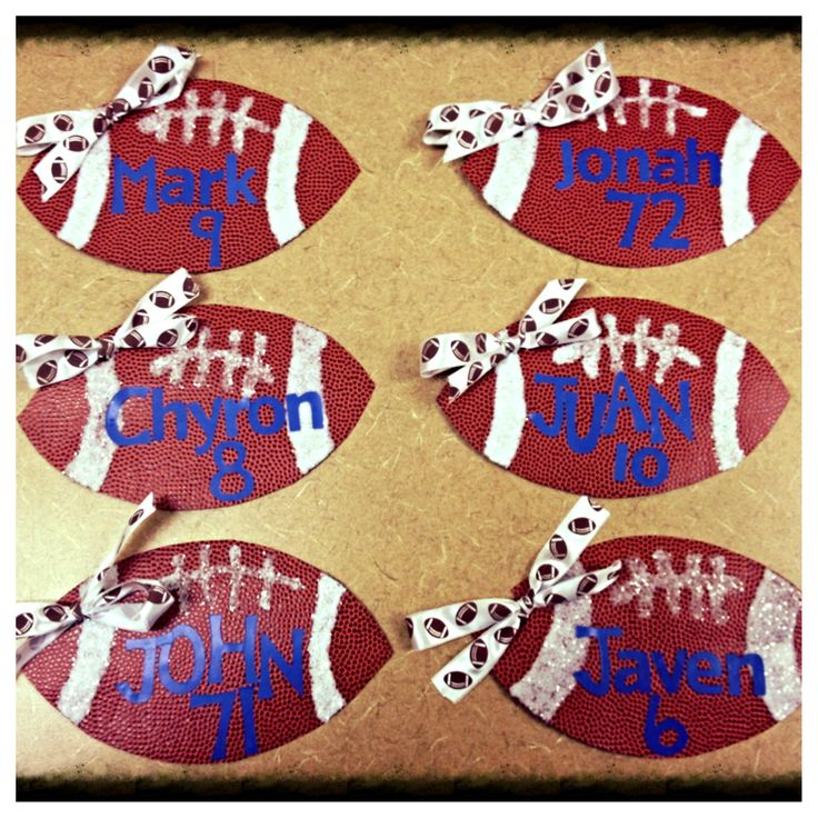 locker decorations football players from cheerleaders - Football Decorations