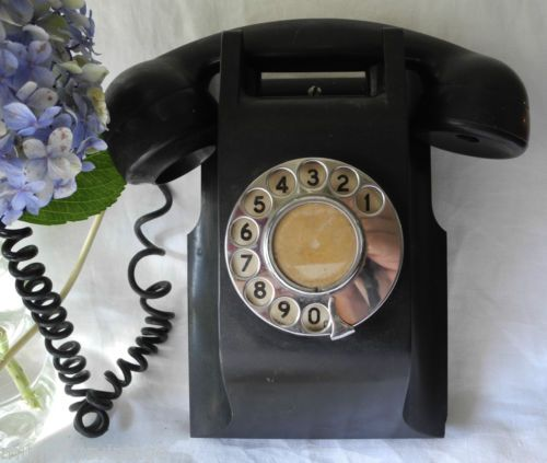 Vintage-Bakelite-Black-Wall-Mounted-Telephone-Phone-Rotary-Dial