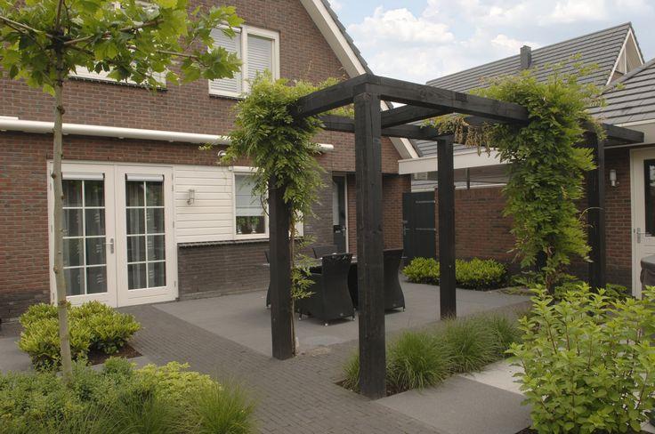 Marc de Graaf Tuinen is hovenier in de regio Barneveld. Eigentijds en verrassend!