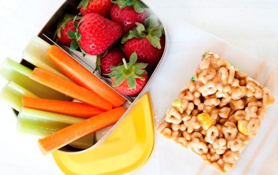 ¡Vuelve a Clases con Todo el Sabor! 25 Ideas Rápidas y Fáciles para Snacks: Prepara estos prácticos snacks con anticipación y ahorra tiempo durante la semana.