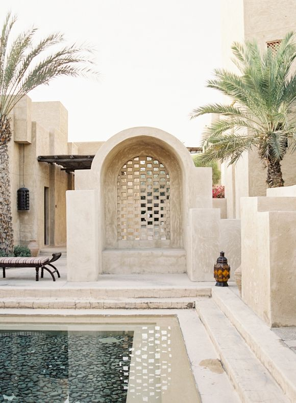 Relaxed and Natural Bridal Session in Dubai | Vicki Grafton Photography & Rensche Mari Photography | Wedding Sparrow