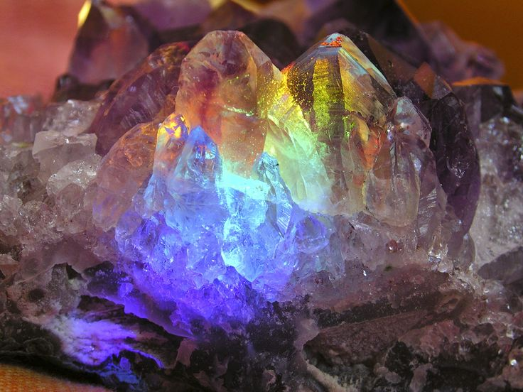Cand vorbim despre cristale semipretioase, sunt mai multe lucruri interesante pe care ar trebuie sa le stim. In acest articol va prezentam mai multe despre aceste pietre interesante si despre modul in care ele ne afecteaza viata. http://orconet.com/tot-ce-trebuie-sa-stim-despre-cristale/