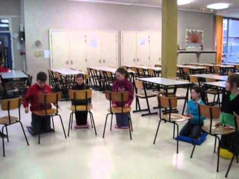 """stoel-percussie""   >>> chairs and sticks. Unison / two part things…"