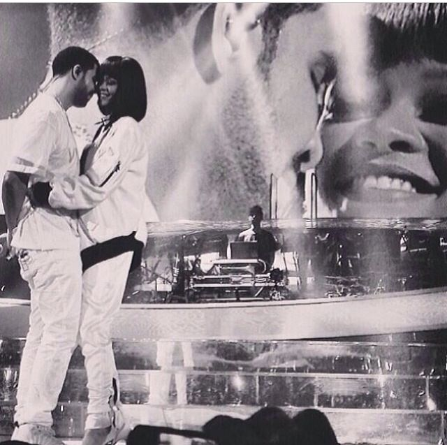 the video of this performance is awesome  drake and rihanna in paris