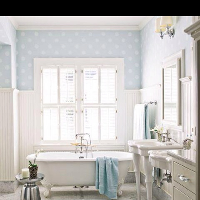 1000 images about polka dots in bathroom on pinterest for Polka dot living room ideas