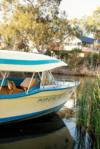 the Popeye boat River Torrens cruise • Adelaide city icon • South Australia